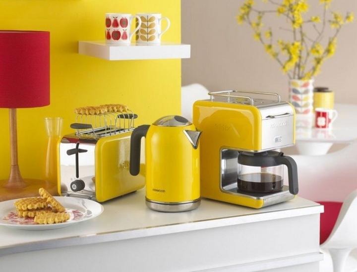 Accesorios de colores para la cocina