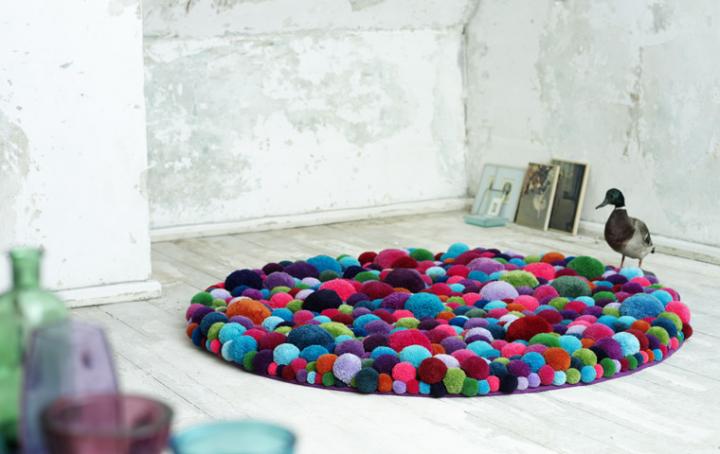 Tutorial alfombra con pompones amanuki - Alfombra de pompones ...