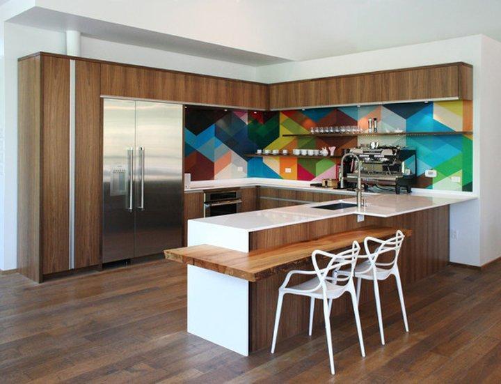 Imágenes de una cocina colorida y alegría