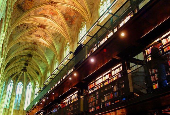 Iglesia reconvertida en una de las librerías más bellas del mundo Imagenes-iglesia-reconvertida-libreria
