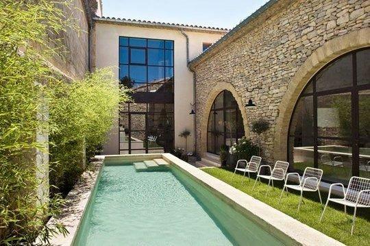 Fotos de una casa de campo de estilo moderno magn fica for Amenagement cour interieure maison