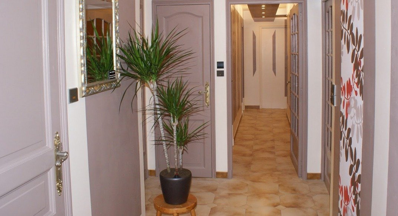 Consejos para sacar el m ximo provecho de los pasillos - Cenefas para pasillos ...