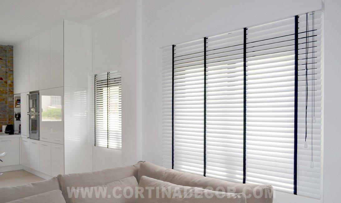 Decoracion mueble sofa cortinas de estores - Persianas venecianas verticales ...