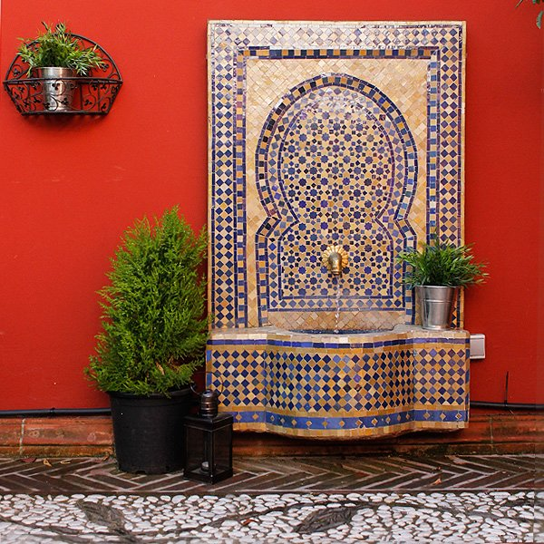 Decoracion arabe vogue for Fuentes de jardin baratas