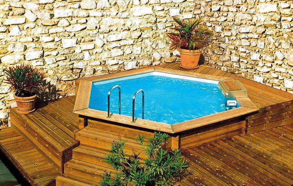 Casas con piscinas hexagonales de madera decoraci n del - Madera para piscinas ...