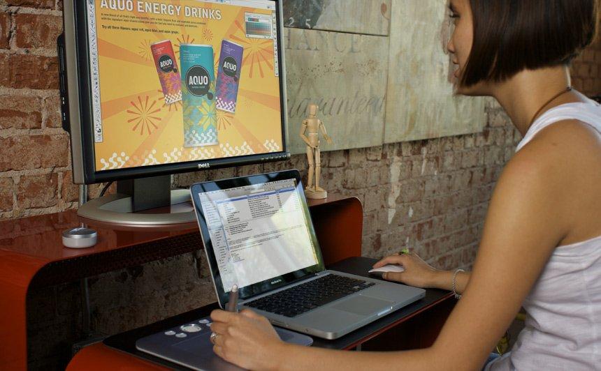 Mesa de ordenador onelessdesk decoraci n del hogar for Mesa ordenador pequena