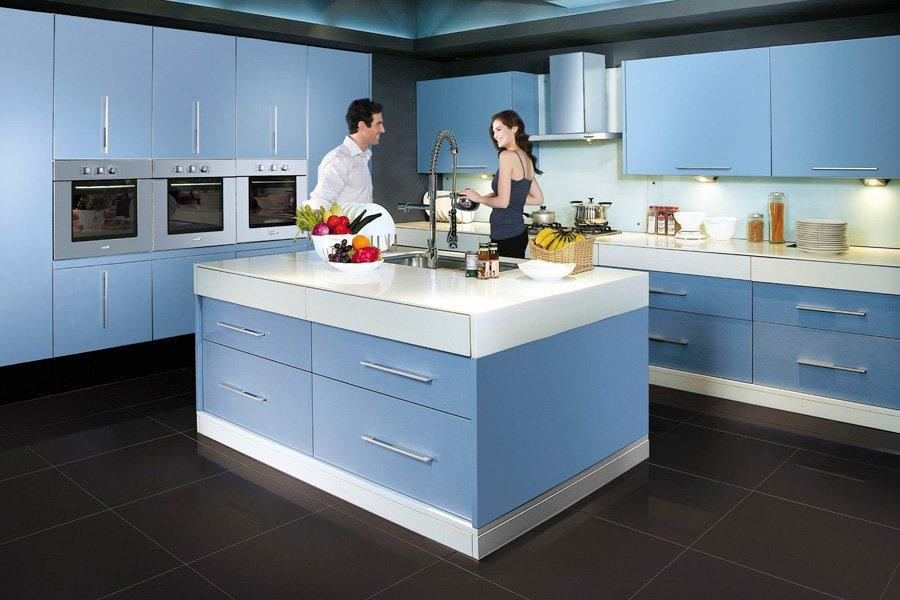 El azul en la decoración de interiores. Decoración del hogar.
