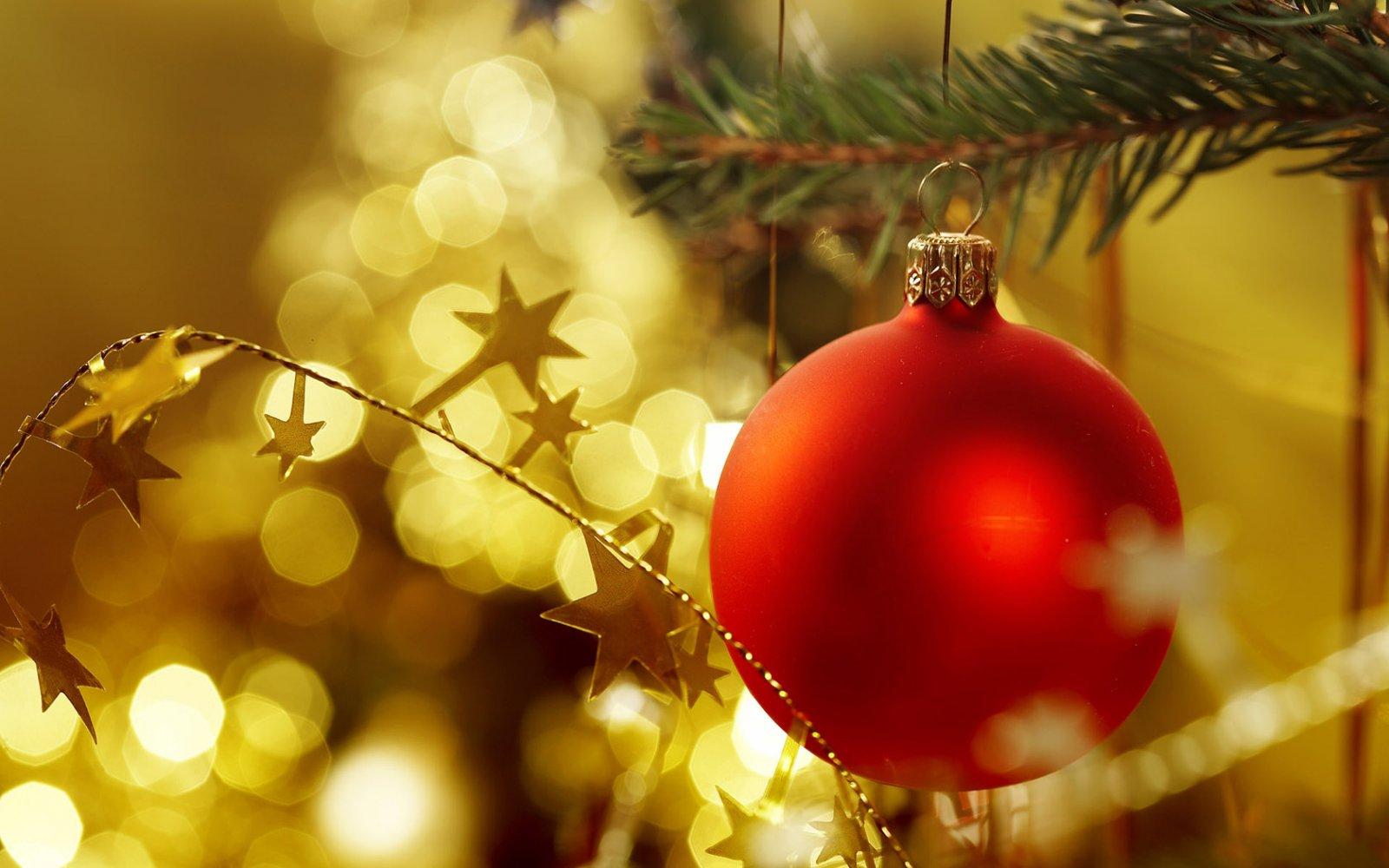 Decoraci n de un rbol de navidad tradicional decoraci n - Imagenes decoracion navidad ...