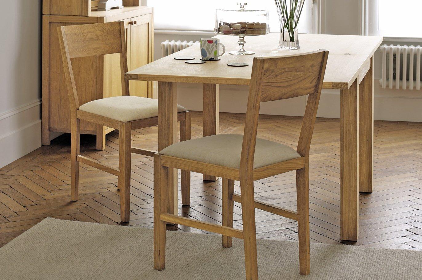 Muebles para una cocina de estilo ingl s decoraci n del for Mesas de cocina pequenas extensibles