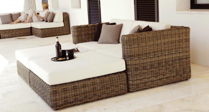 Muebles aladecor para tu terraza decoraci n del hogar for Muebles para patios interiores