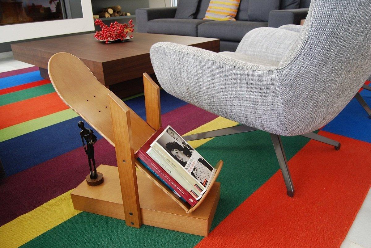 Originales muebles con monopatines decoraci n del hogar for Muebles salon originales