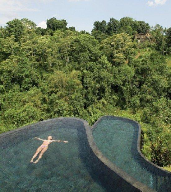 Fotos de las piscinas infinitas de un hotel de bali for Modelos de piscinas infinitas