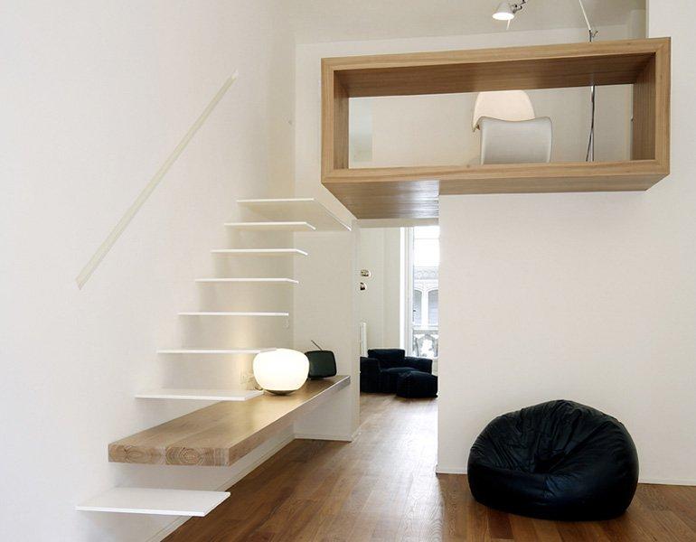 Apartamento en madera y tonos blancos decoraci n del hogar - Madera para decoracion ...