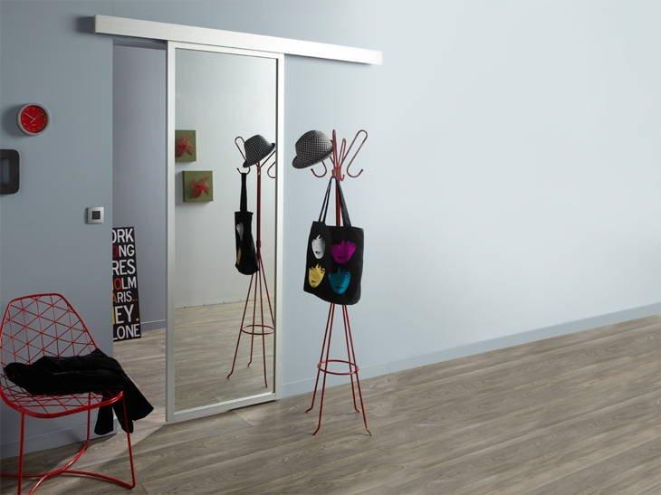 ahorra espacio instalando puertas correderas decoraci n del hogar. Black Bedroom Furniture Sets. Home Design Ideas