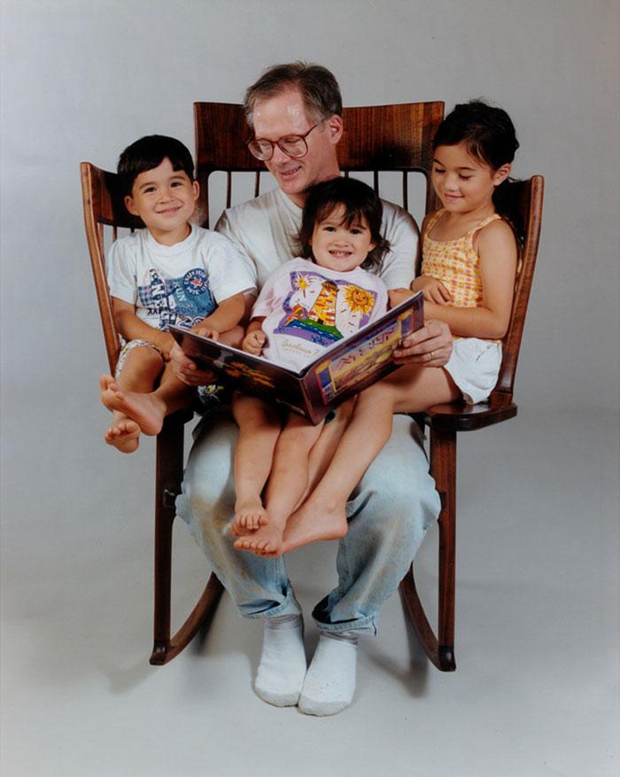 Mecedora perfecta para familias con 3 ninos (7)