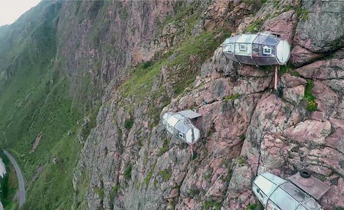 Modulos transparentes para dormir en la montana (3)