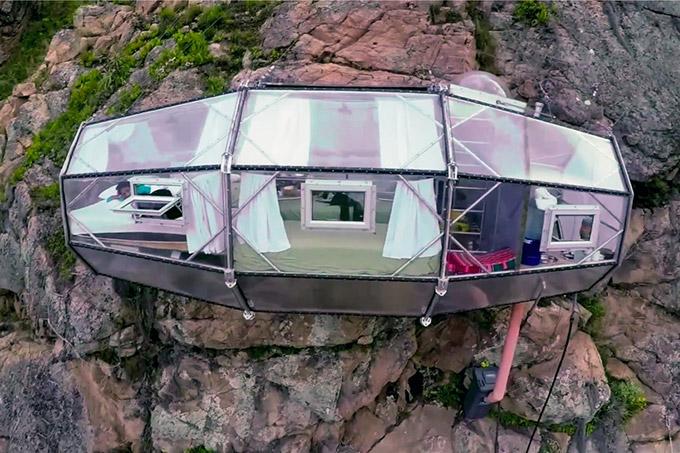 Modulos transparentes para dormir en la montana (5)