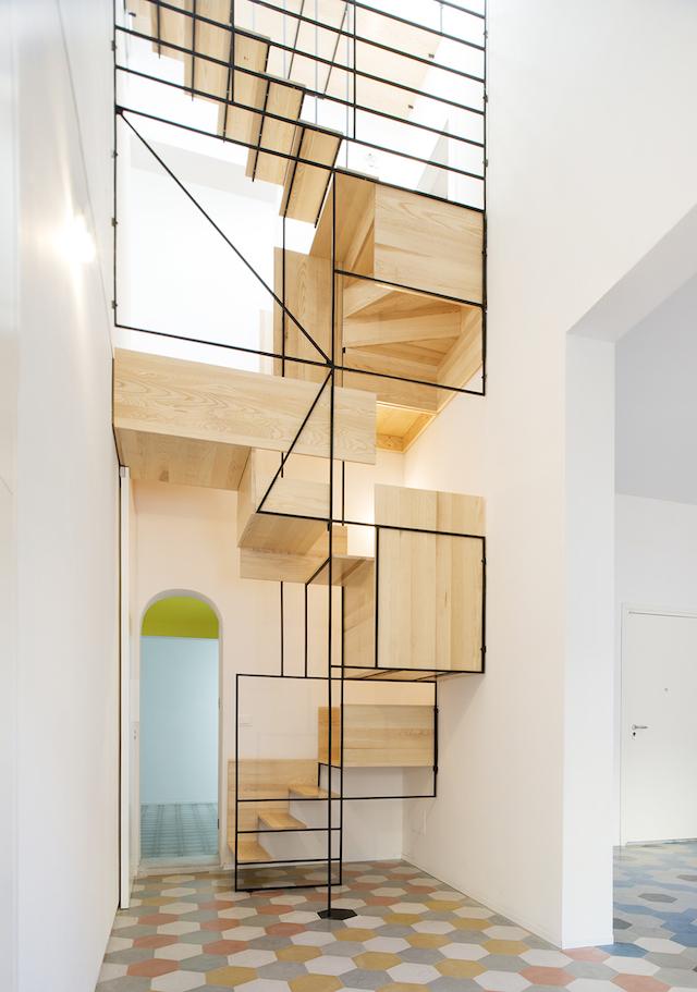 Original escalera flotante de madera (5)