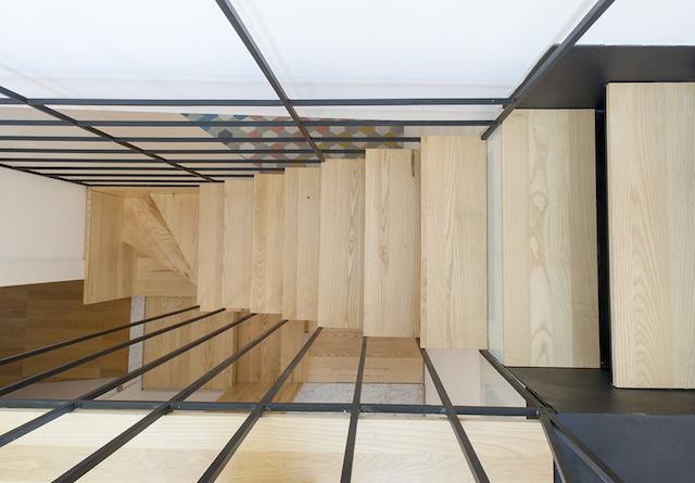 Original escalera flotante de madera (6)