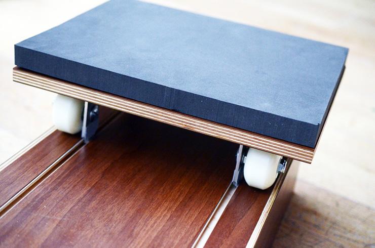 Ram&Row, mesa de centro y máquina de remo (4)