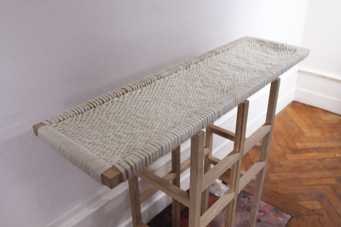 Wool and Wood, consola de lana y madera (4)